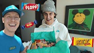 Cizzorz REACTS to Swedish Candy & Teeqo Tries to Teach him Swedish!