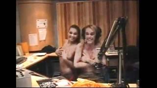 Clara Morgan&Cécile De Menibus Montre Leurs Gros Nichons Seins Chez Cauet !!!
