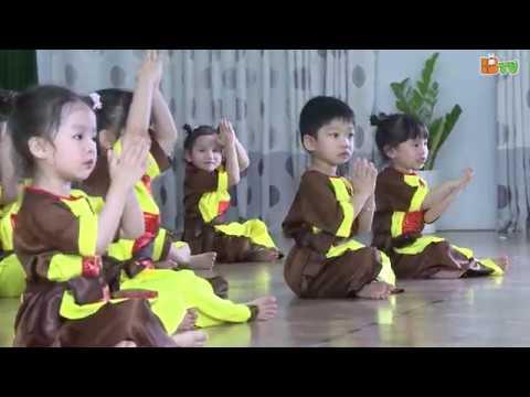 Bế giảng năm học 2018-2019 trường Mầm non Thăng Long - Lớp Micky2 - Múa Bắc Kim Thang