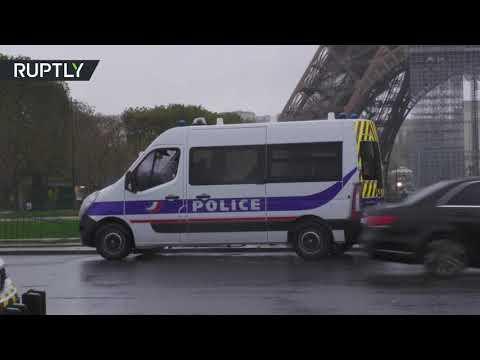 العرب اليوم - شاهد: الشرطة الفرنسية تخلي محيط برج إيفل بعد العثور على حقيبة ذخيرة