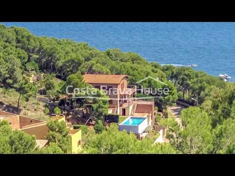 Original casa con vista mar y piscina en venta en Tamariu
