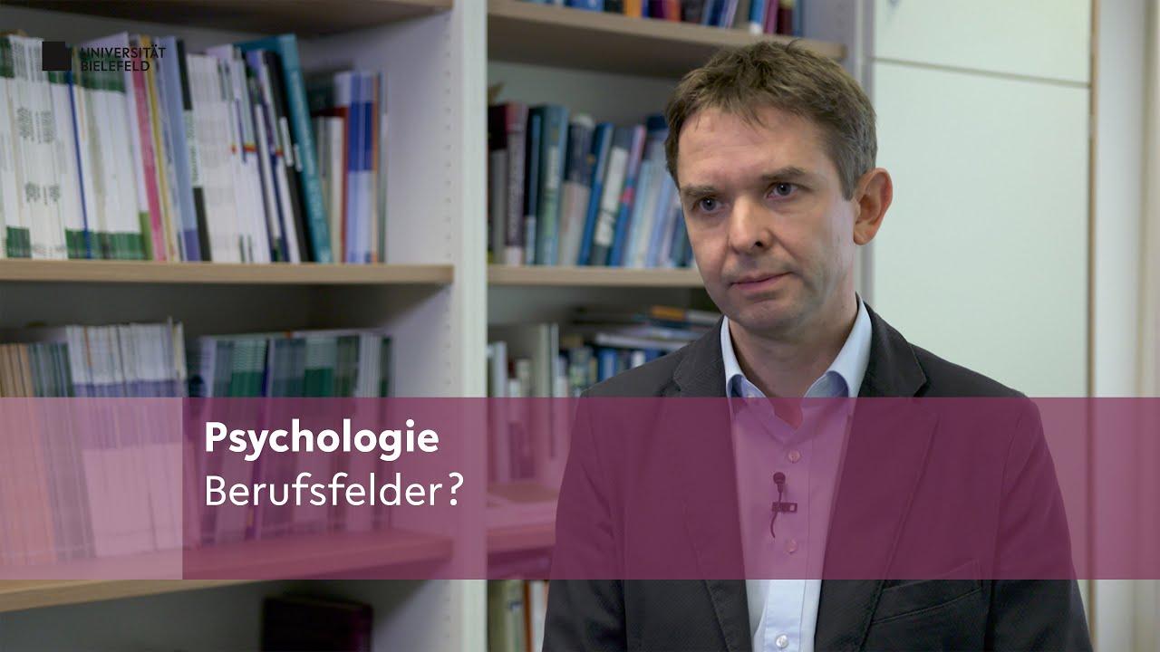 Dargestellt ist Prof. Dr. Frank Neuner, der darüber berichtet, welche Berufsfelder Psychologie-Studierenden offenstehen.