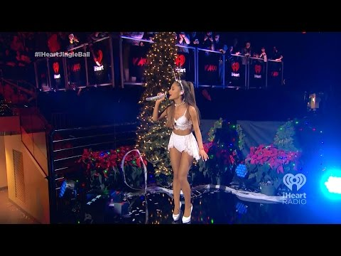 Ariana Grande – Santa Tell Me 🎄