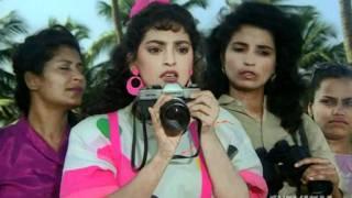 Chi Chi Photographed Naked - Govindas Best Comedy Scenes - Karz Chukana Hai