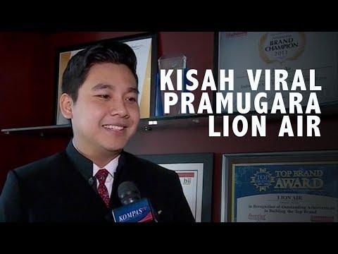 Kisah di Balik Viral Pramugara Lion Air Suapi Nenek di Pesawat
