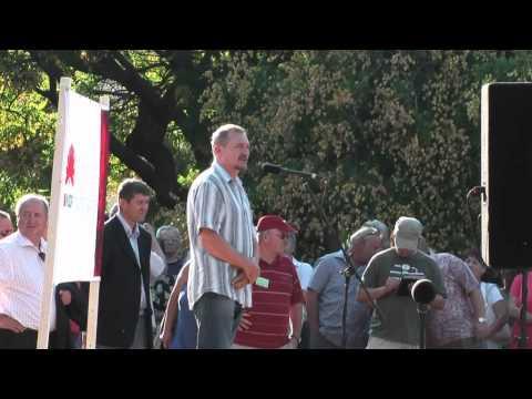 A kormány már ne ígérjen! - Tüntetés Komlón