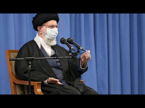خامنئي يؤكد قدرة إيران على تخصيب اليورانيوم تزامنا مع تعليق بروتوكول يسمح بالتفتيش المفاجئ