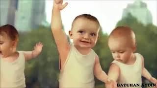 Manuş Baba - Eteği Belinde Bebek Versiyon