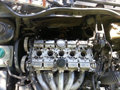 Фото к видео: Замена маслосъёмных колпачков volvo 850, s70, v70,c70. Stem seals replace