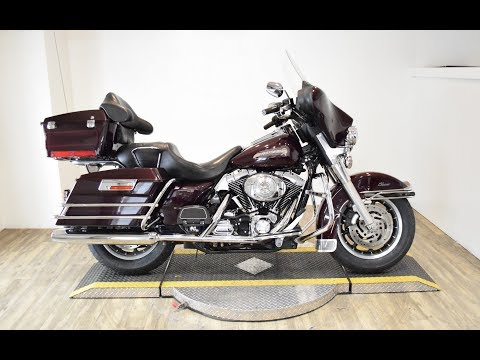 2005 Harley-Davidson FLHTC/FLHTCI Electra Glide® Classic in Wauconda, Illinois - Video 1