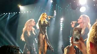 "Faith Hill - ""Free"" & ""This Kiss"" - Soul2Soul - 4/20/2017 Charleston, SC"