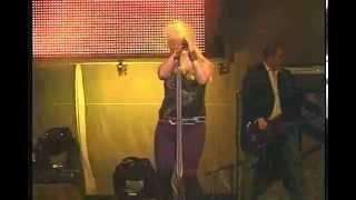 MIRANDA LAMBERT   Somewhere Trouble Don't Go   2010 Live