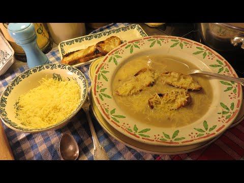 RECETTE : Soupe à l'oignon à l'ancienne ou Potage parisien Mère Mitraille. Onion soup.