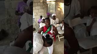 Agawou Wedo Nn Lakou Racine Edeyo Soulaje Dyavodo
