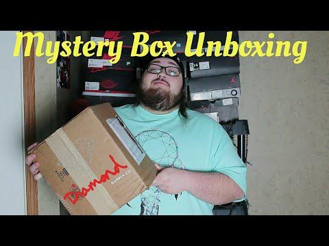 Diamond Supply Co Mystery Box Unboxing Black Friday 2017