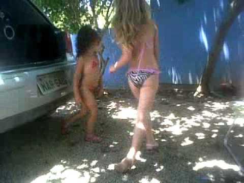 ana julia dançando