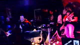 Video THE KARNSTEINS - SKULLS ( THE MISFITS COVER )