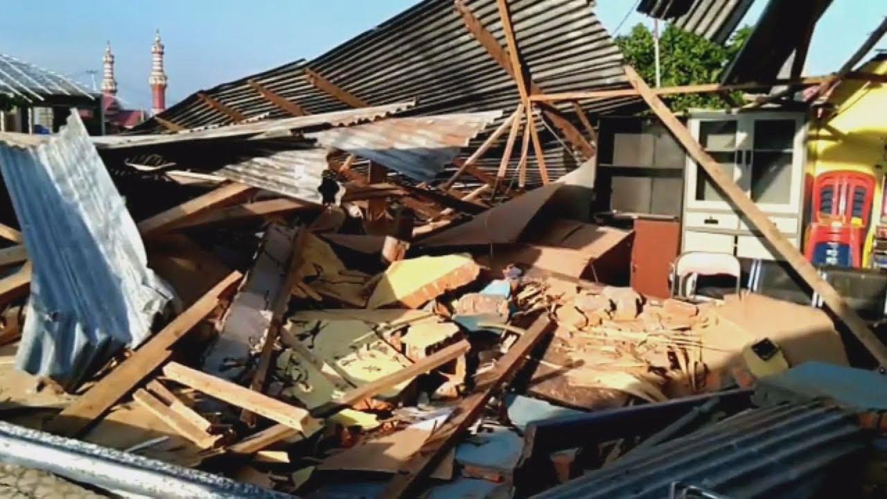 Ινδονησία: Στους 384 οι νεκροί από τον ισχυρό σεισμό και το τσουνάμι