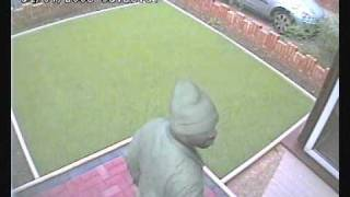 preview picture of video 'Burglary CCTV video thief Uxbridge UK'