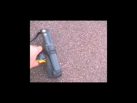 Preview video Motorola MC9090 G drop test video 25ft sul cemento
