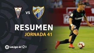 El Málaga mantiene la tercera plaza con una victoria en el Carlos Belmonte (1-2)