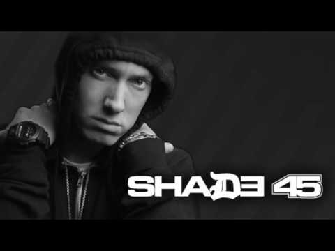 Eminem brinca sobre novo single e até canta um trecho ao vivo na Shade 45