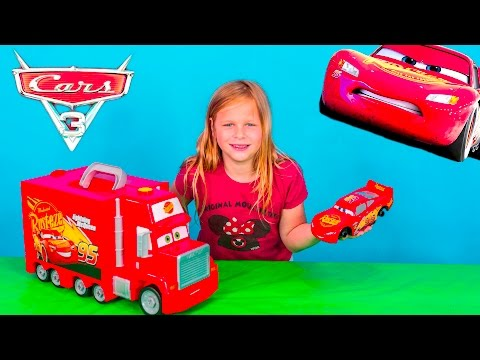 CARS 3 Lightning McQueen Mack Tool Kit And Hauler Toy Unboxing