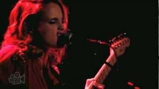 Anna Calvi - Desire (Live in New York) | Moshcam