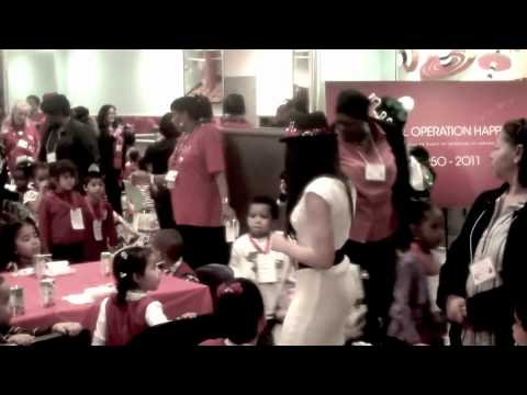 Stephanie Marie Hanvey Performs @ Macy's In TimeSquare 61 st Anniversary Holiday Event