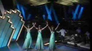 The Three Degrees - MacArthur Park 1975