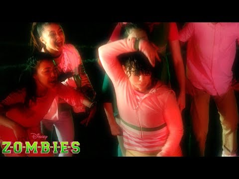 BAMM! Dance Battle | Z-O-M-B-I-E-S | Disney Channel