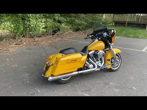 2013 Harley-Davidson FLHX Street Glide in Chrome Yellow Pearl