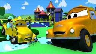 Эвакуатор Том и Случай с малышами в Автомобильный Город | Мультфильм для детей