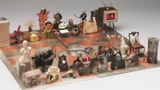 A Closer Look at Chess Set by Mariko Kusumoto