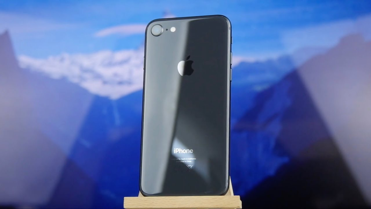 Apple iPhone 8 64Gb Gold (MQ6J2) video preview
