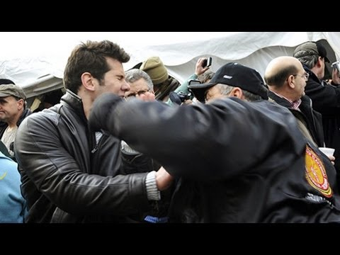 Obama Union Thugs Sucker Punch Steven Crowder 4 Times at Right-To-Work Rally (video ...