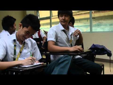 Ang bata vomits worm