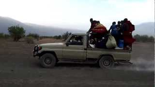 preview picture of video 'Drag Racing in Tanzania'