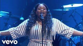 Tasha Cobbs Leonard - Break Every Chain (Live At Passion City Church)