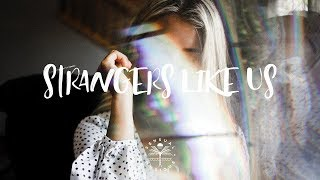 Ale Q - Strangers Like Us (Lyrics)
