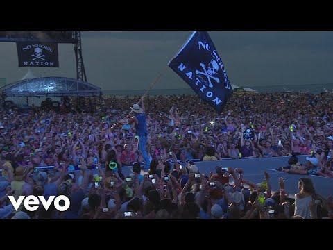 Kenny Chesney - Pirate Flag (Live)