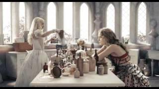 Disney Channel, Disney Escena Alicia - Haciendo Pociones con la Reina Blanca