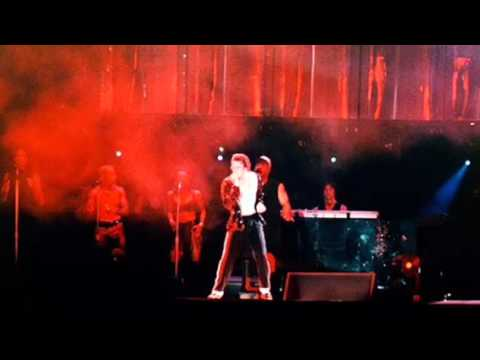 Michael Jackson - Dangerous Tour Istanbul, Turkey September 23, 1993 - Billie Jean (Amateur Audio)
