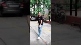 Hit shoulder dance