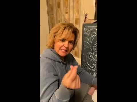 How to Add Details to Your Painted Furniture Pieces Using ALL-IN-ONE Paint & 4 Antiquing Gel Colors!
