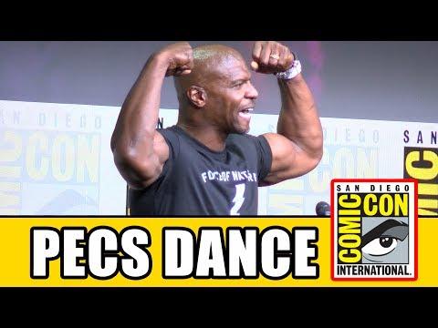 Terry Crews Pecs Dance At Netflix Comic Con Panel | MTW