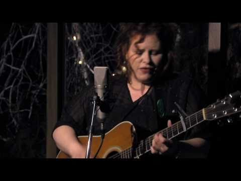 Suzie Vinnick - Little One (version2)