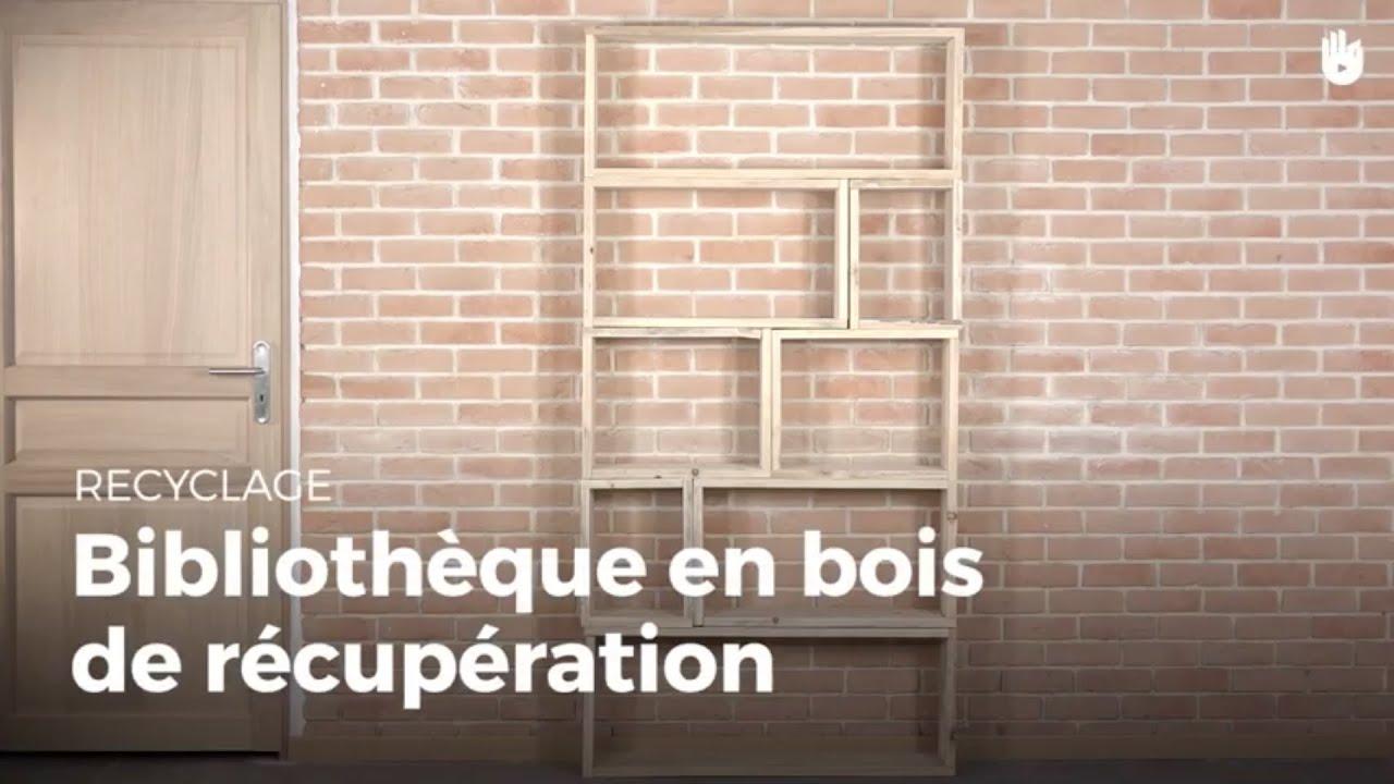 fabriquer une biblioth que en bois de r cup ration fabriquer des meubles avec des palettes. Black Bedroom Furniture Sets. Home Design Ideas