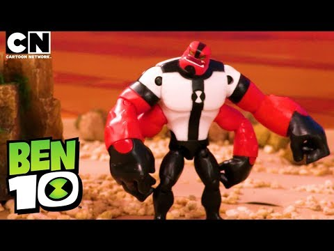 Ben 10 FOUR ARMS in A Matter of Size! | Ben 10 Toys | Cartoon Network