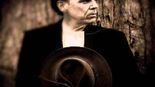 John Hiatt - Love's Not Where We Thought We Left It